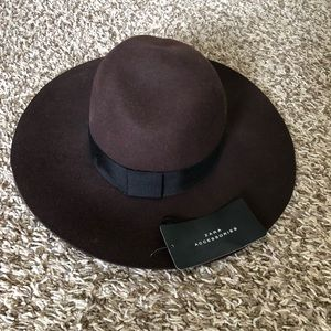 NWT Zara wool hat with band Size S